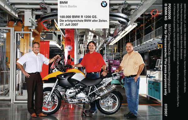 27/07/2007 - the 100,000th BMW R1200GS is produced