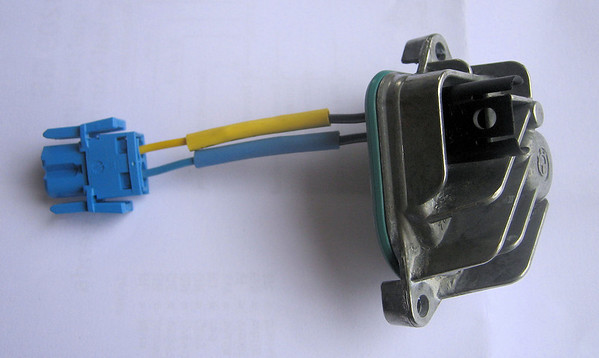'Deluxe' bypass for failed fuel pump controller (FPC) - BMW R1200 (R1200GS)